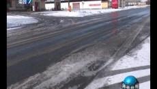 相关部门积极应对天气变化保障道路畅通和群众出行安全