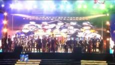 """玉树""""三节"""":首届本土歌手""""感恩祖国 回报家乡""""演唱会举行"""