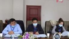 黨群團 社會 文化藝術組委員認真討論黃南州政府工作報告