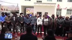 治多县50名脱贫户获赠藏汉双语手机