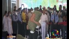第七届全省民族运动会举沙袋项目开赛