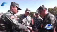 海南州四大班子领导开展军事日活动