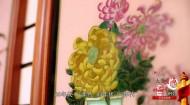 092 听说过玻璃画吗?西宁这位画家的玻璃画让人赞叹不已!