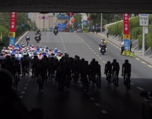 2021环湖赛第一赛段 西宁绕圈赛精彩片段