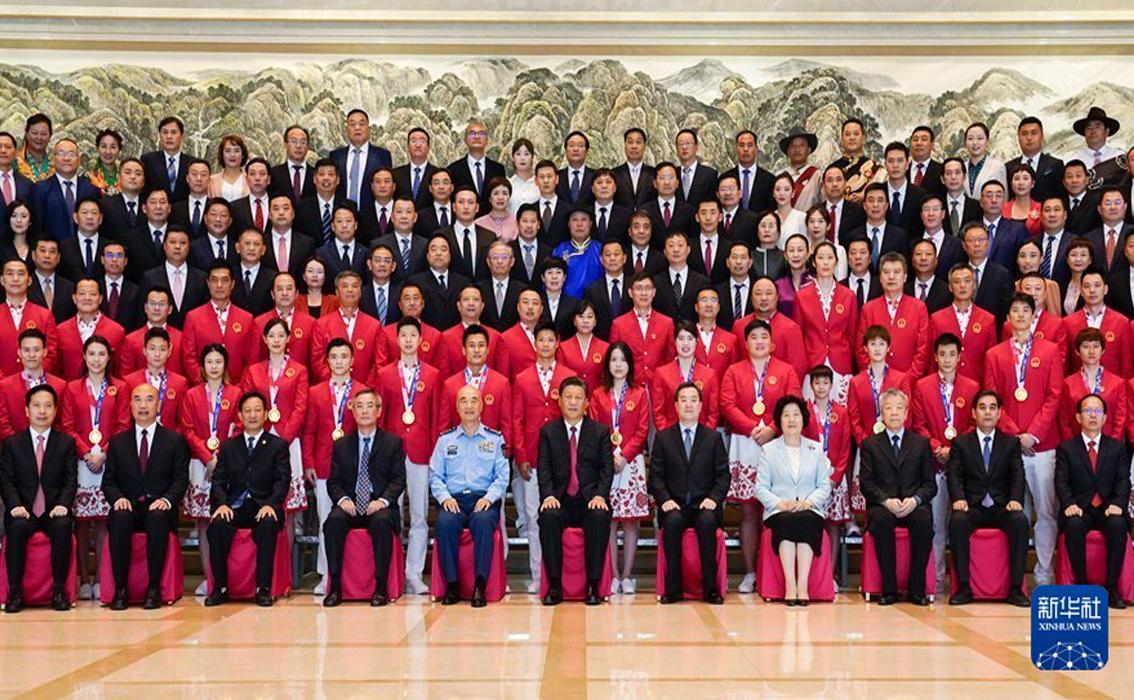 习近平会见全国体育先进单位和先进个人代表、东京奥运会中国体育代表团代表等