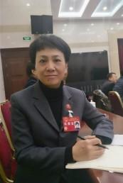 省人大代表田小红:当好群众的代言人和贴心人