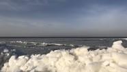 青海湖鸟岛湖畔蛋岛开湖情况观测