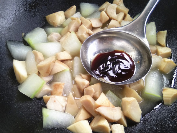 杏鲍菇烧冬瓜的步骤