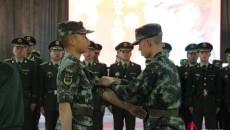 西宁支队严密组织机关干部着装规范演示、 军容风纪检查及队列会操