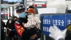 西宁铁警为旅客平安出行保驾护航