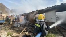 青海海东:平安区古城乡石碑村发生房屋起火事件