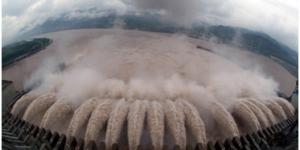 官方美高梅140:三峡大坝全线建成