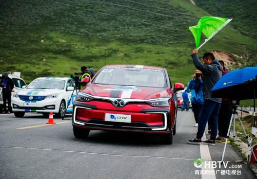 第五届环青海湖电动汽车赛进入环湖评测第二日 高海拔地区表现卓越