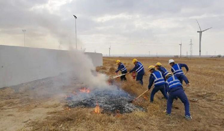 黃河水電公司定邊風電場進行春季應急消防演練