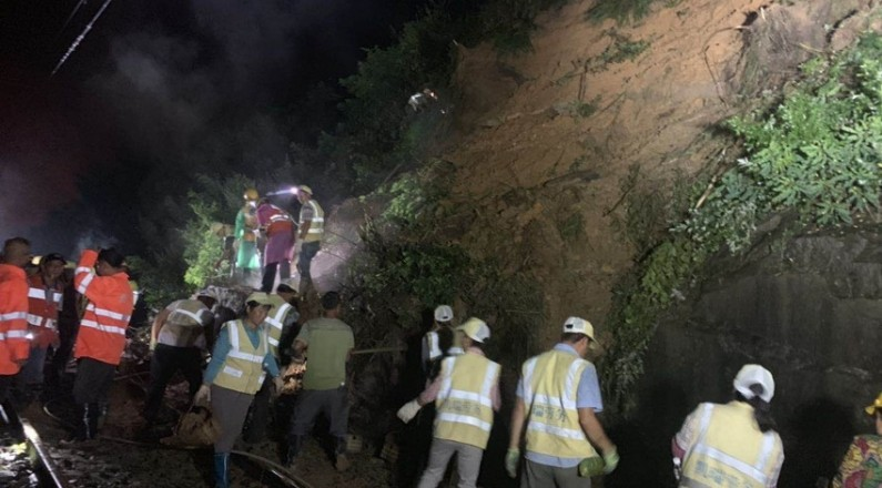 受暴雨襲擊,川黔線中斷12小時